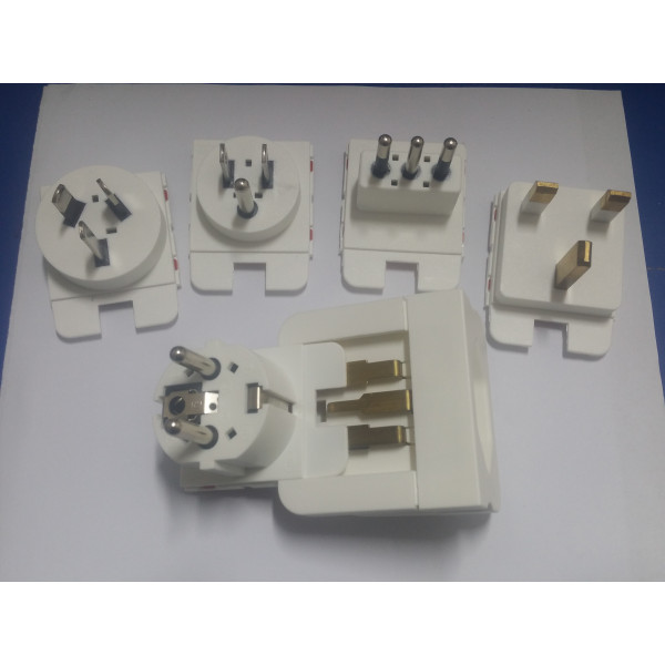 Swiss Multi Adaptor universal 10-16A /250V